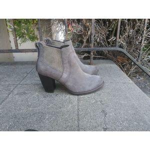 UGG Women's US Size 6 Boots Gray Suede Block Heel